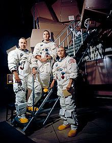 220px-Apollo_8_Crewmembers_-_GPN-2000-001125